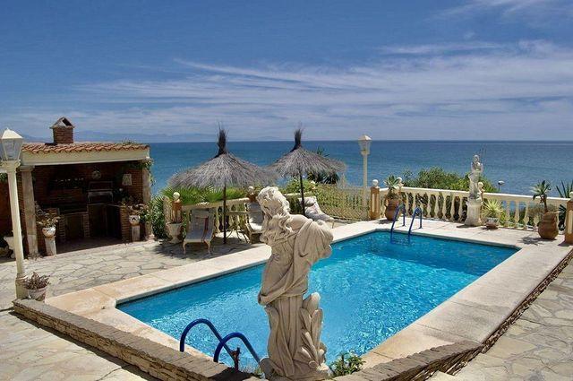 Villa en venta en El Faro de Calaburra - Chaparral en Mijas (El Faro, Málaga)