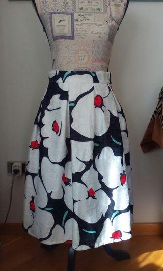 Falda estampado de flores