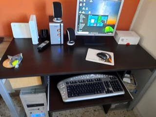 ordenador mas escritorio