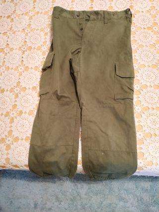 Antiguos pantalones del ejército español