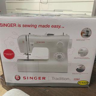 NUEVA! Máquina de coser Singer tradition 2282