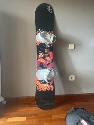 Tabla snowboard, botas y fijaciones