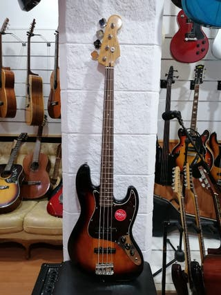 Bajo Squier by Fender classic Vibe 60s Jazz Bass