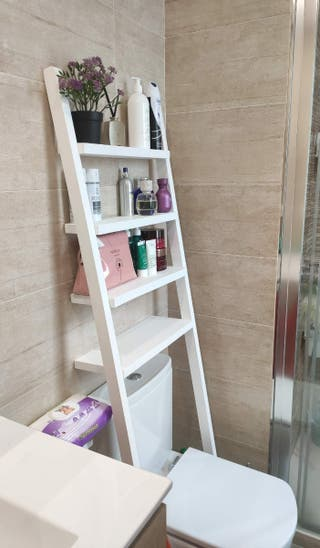 estantería para WC en madera maciza.