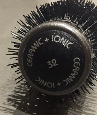 Brosse céramique pour Brushing à Picots en Nylon