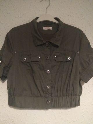 chaqueta corta verde militar Orsay talla 38