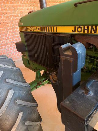 Tractor John Deere 2450 doble tracción
