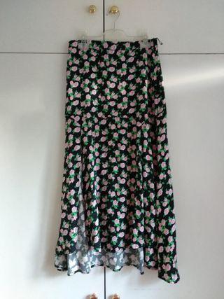 Falda midi negra de flores