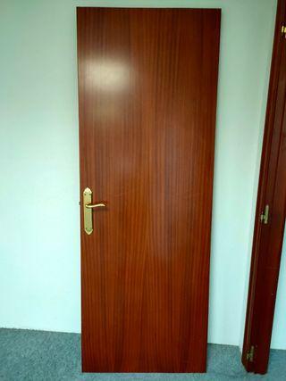 puerta como nueva con bisagras