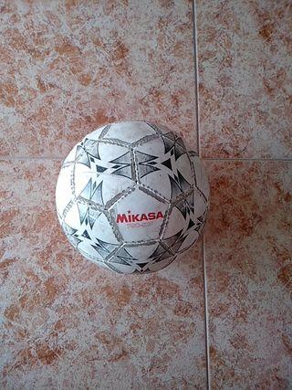 Balón de fútbol sala, Mikasa