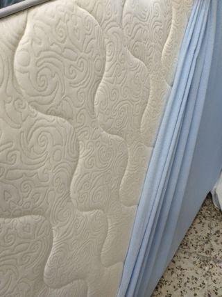 cama y base tapizada 135 x190