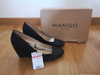 Zapatos con tacón de cuña de Mango