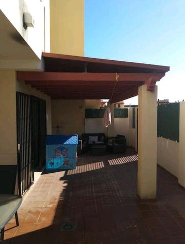 Chollo piso con gran terraza, parking, piscina... (Almayate, Málaga)