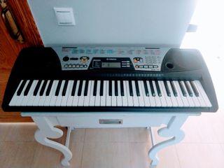 teclado piano Yamaha PSR 175