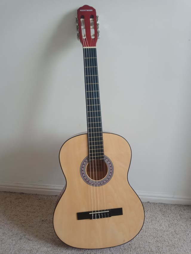 Beginner's Guitar with guide book