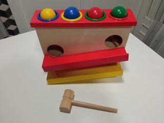 juguete madera martillo y bolas