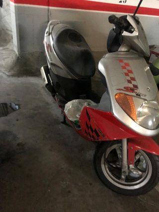 Ciclomotor Daelim S-five