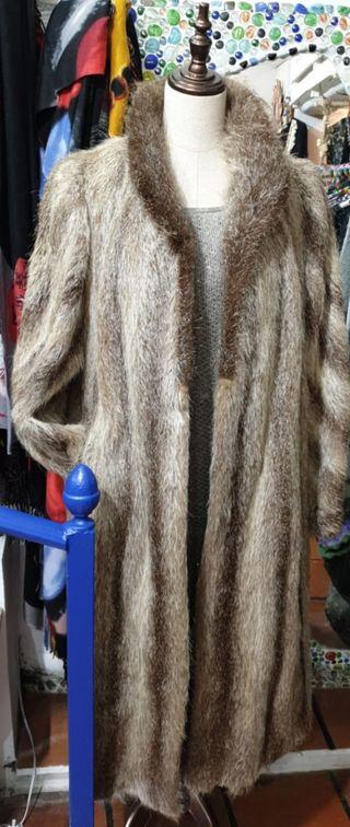 Abrigo largo de nutria