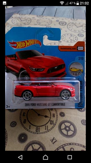 '15 Ford Mustang GT convertible Red