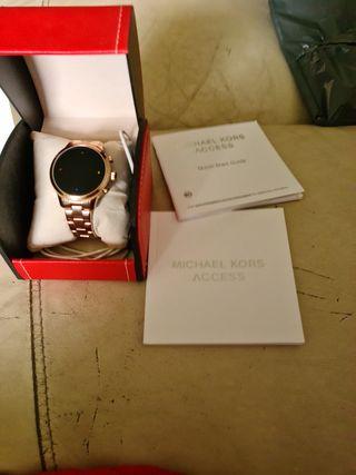 Michael kors runway smartwatch 3094