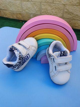 Zapatillas DC auténticas talla 18