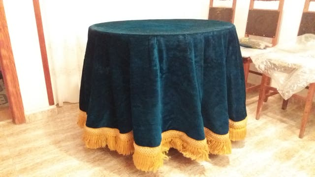 Sillas y mesa camilla antigüedades