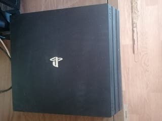 PS4 PRO 1TB + MANDO