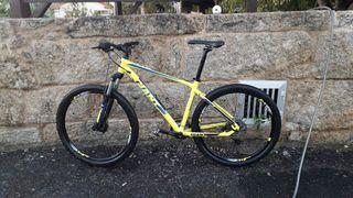 bicicleta giant de montaña