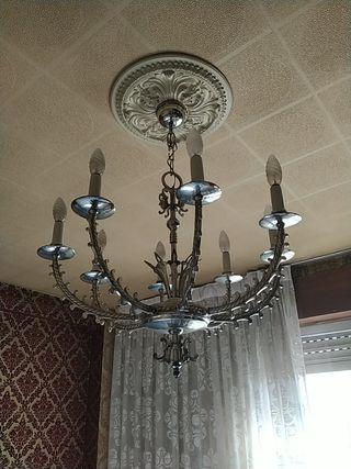 Lámpara clásica en perfecto estado