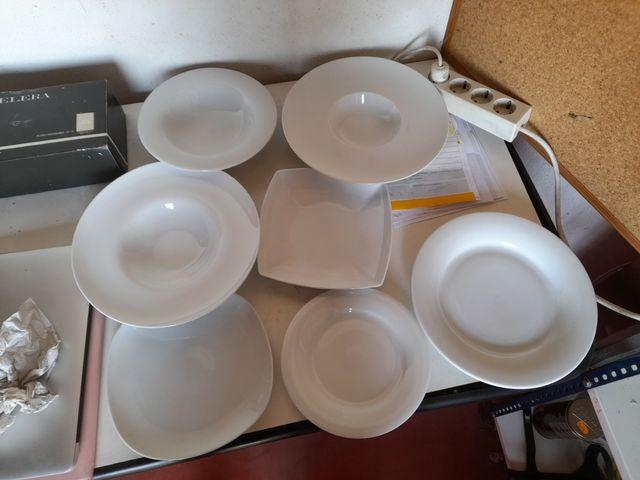 Platos variados cerámica blancos