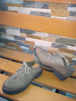sapatos gris