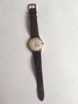 Reloj caballero. Marca omega de oro.