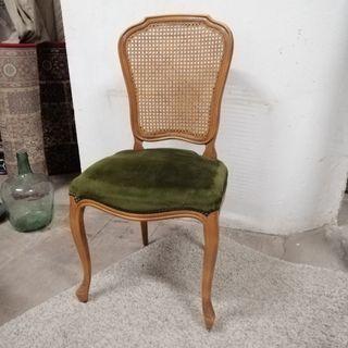2 sillas madera clásicas restauradas