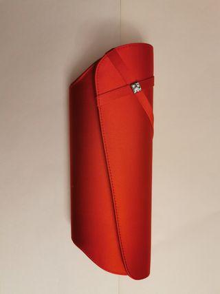 bolso rojo con pedrería