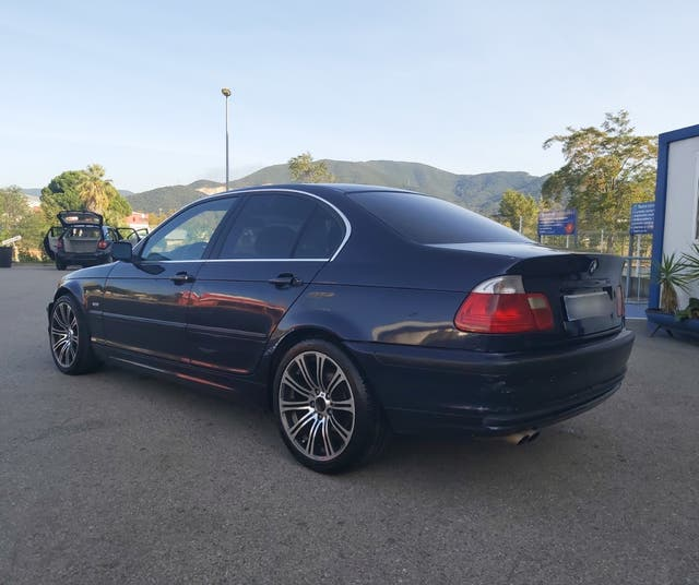 BMW Serie 320i