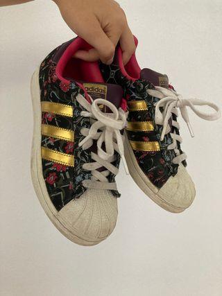 Zapatos Adidas all star edición especial 30€