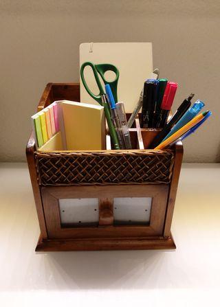 Porta-boligrafos para escritorio de madera