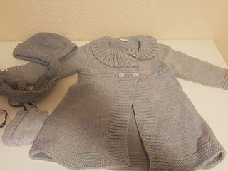 Conjunto abrigo, capota y manoplas.PAZ RGUEZ18 m.