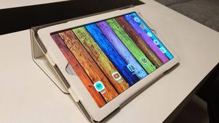 """Tablet 10.1"""" 32GB ROM + 3GB RAM WIFI y 4G plateada"""