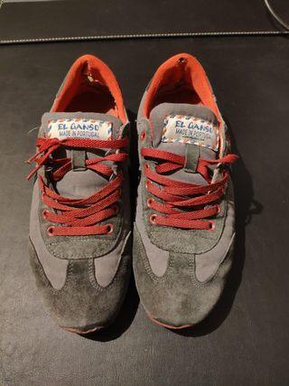 Zapatillas el Ganso grises usadas