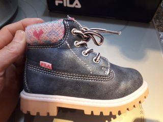 Fila botas nuevas