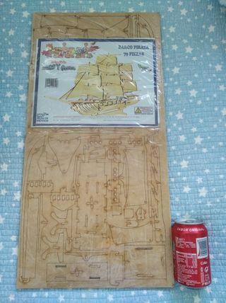 Maqueta de madera barco pirata