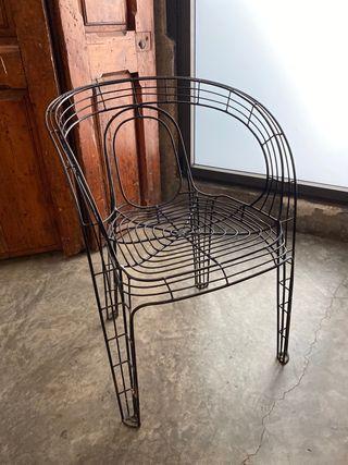4 sillas hierro de diseño (apilables)
