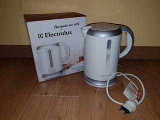 Hervidor de agua Electrolux