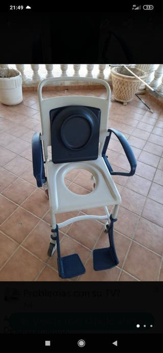 Silla de ruedas para ducha y wc