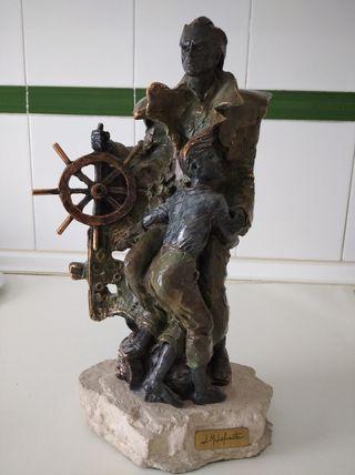 escultura de Resina y bronce de jl Lafuente