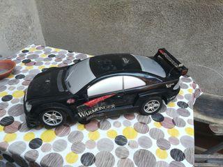 coche de juguete grande