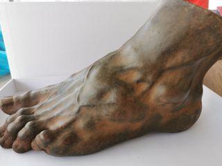 "magnífica Escultura ""Pie de David"""