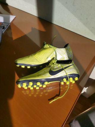 nike phantom botas futbol 44.5 eur, 10.5us, 9.5 uk