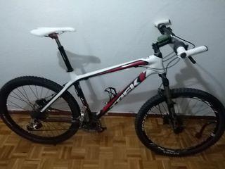 Bicicleta de montaña de alta gama